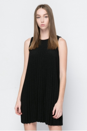 COZY PLEATED DRESS