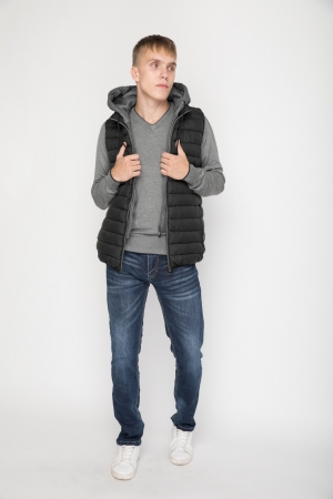 COZY Puffer Gilet in Black with High Collar