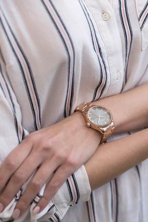 Ρολόι Loftys Mercury με ροζ χρυσό μπρασελέ και γκρι καντράν Y2013-6